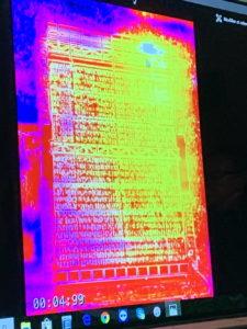 Thermografie: Wärmeverluste durch den offenen Gitterboden