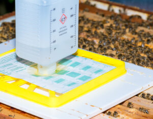 Ameisensäure Liebig Dispenser AdobeStock/mirkograul