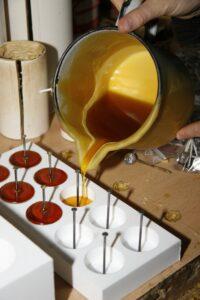 Bienenwachskerzen selber gießen
