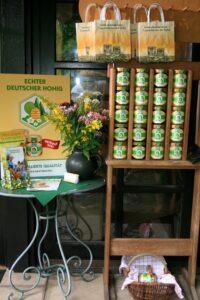 Honigverkauf direkt an der Haustür