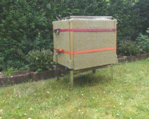 Dampfwachsschmelzer mit Isolierung. Foto: Deutsches Bienenjournal